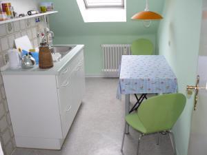 Küche/Küchenzeile in der Unterkunft Ferienwohnung Weiken