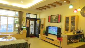 2013民宿 電視和/或娛樂中心