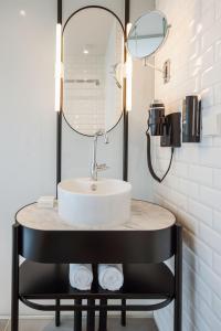 A bathroom at Hotel Arena