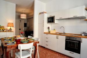 A kitchen or kitchenette at Casa Castagna