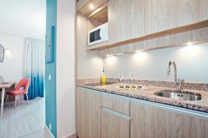 Küche/Küchenzeile in der Unterkunft Residhome Nice Promenade