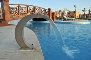 Het zwembad bij of vlak bij Jaz Grand Marsa