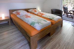Ein Bett oder Betten in einem Zimmer der Unterkunft Rhein-Mosel-Ferienhaus