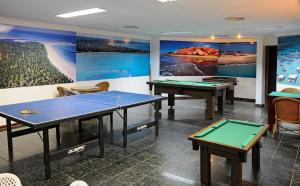 Table tennis facilities at Maceió Mar Hotel or nearby