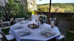 A restaurant or other place to eat at La Maison Bakéa