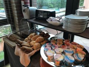 Breakfast options available to guests at Meridiana Country Hotel