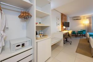 A kitchen or kitchenette at Best Western Premier Maceió