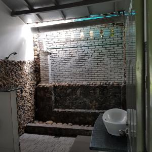 A bathroom at Catsen Bungalows & Rooms