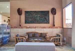 A seating area at Hotel Tarifa Lances