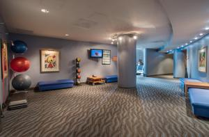 The fitness center and/or fitness facilities at Magnolia Hotel Downtown Dallas