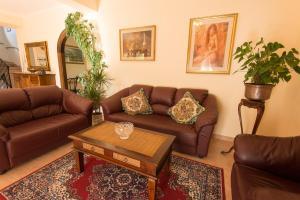 A seating area at Albergo Della Corte