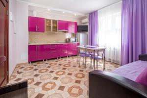 Кухня или мини-кухня в Отель Кипарис