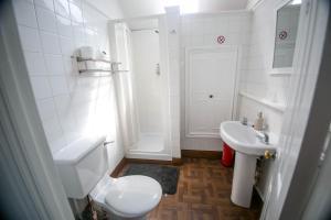 A bathroom at Hayes Bank