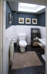 A bathroom at Holiday Home Huis Dujardin 3