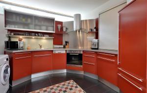 A kitchen or kitchenette at Ferienhaus- Kapeller