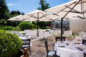 Restaurant ou autre lieu de restauration dans l'établissement Château Belmont Tours by The Crest Collection