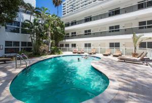 Premiere Hotelの敷地内または近くにあるプール