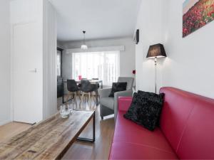A seating area at Catharina Texel