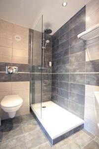 Salle de bains dans l'établissement La Table de Gustave