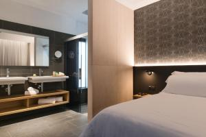 Un baño de Suites 1478