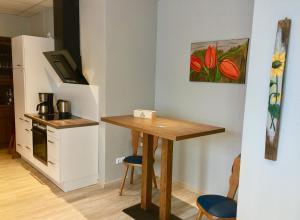 A kitchen or kitchenette at Gasthof Noehl Zur Brücke