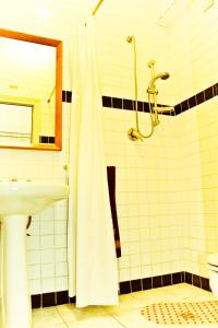 A bathroom at Hotel Palace Nardo