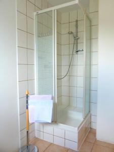 A bathroom at Hotel Krone