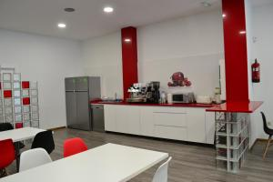 A kitchen or kitchenette at Santiago de Vilavella