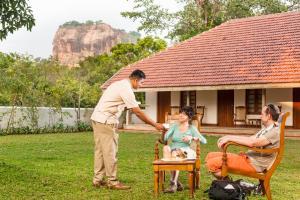 A family staying at EKHO Sigiriya