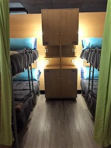 A bunk bed or bunk beds in a room at Santiago de Vilavella