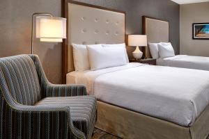Ein Bett oder Betten in einem Zimmer der Unterkunft Homewood Suites By Hilton Los Angeles Redondo Beach
