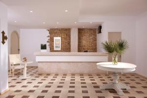 A bathroom at Mistral Hotel