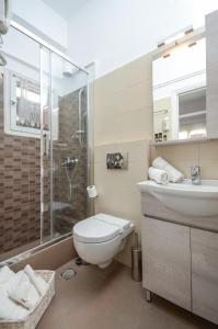 A bathroom at Kymata Hotel