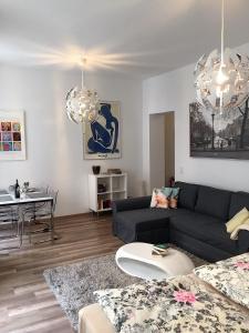A seating area at Köln City Apartments
