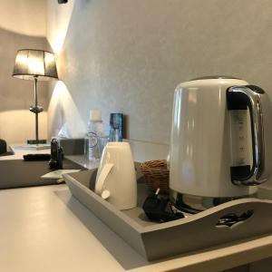 Plateau bouilloire dans l'établissement Hotel Spa Le Relais Des Moines