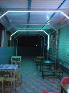 Ресторан / где поесть в Veselaya Akula Guest House