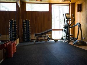 Centrum fitness w obiekcie Hotel Hanasaari