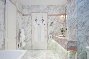 A bathroom at The Ritz London