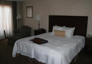 A bed or beds in a room at Hampton Inn and Suites Amarillo West