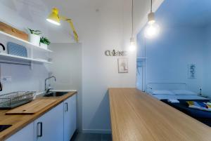 A kitchen or kitchenette at Capofortuna B&B Salerno Centro