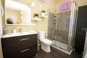 Ein Badezimmer in der Unterkunft Livingtarifa Reserva de los Lances