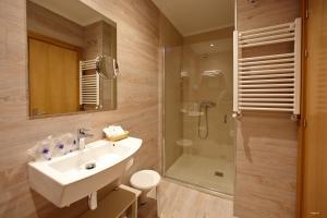 A bathroom at Sirimiri