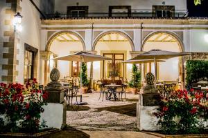 Un restaurante o sitio para comer en Hotel Duques de Medinaceli