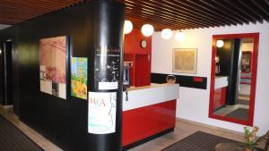 Lobby/Rezeption in der Unterkunft Hotel Meran Hallenbad & Sauna