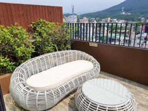A balcony or terrace at I-Jin Hotel