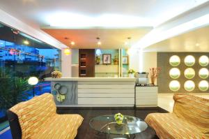 The lobby or reception area at The Great Hotel Hatyai