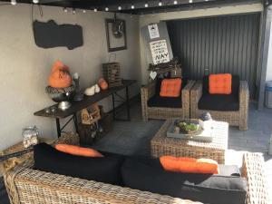 Ein Sitzbereich in der Unterkunft Hotel Brasserie Typisch