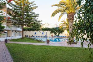 The swimming pool at or close to Cretan Sun