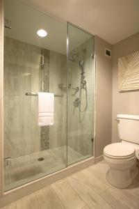 A bathroom at Universal's Loews Royal Pacific Resort