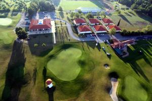 Golf Hotel Austerlitz с высоты птичьего полета
